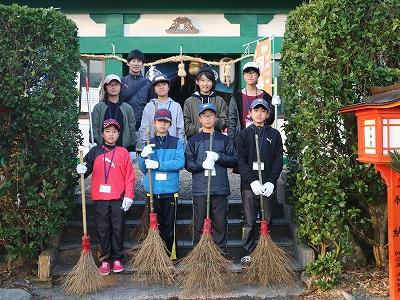 羽島﨑神社の清掃後の記念写真